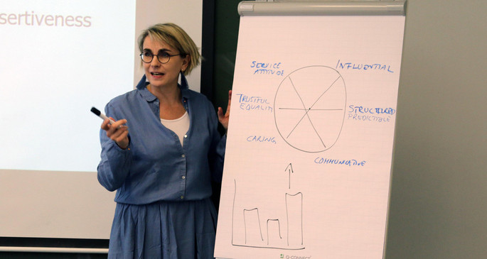 Bei der IB-Blockseminarwoche unterrichten Dozentinnen und Dozenten aus aller Welt. / During the international block seminar week of the Bachelor`s programme International Business (IB) faces from many different countries are to be seen at ESB.