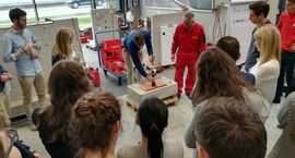 """Hands-on"" bei Hilti in der Workshopwoche des MSc International Business Development sowie des MSc International Accounting, Controlling and Taxation."